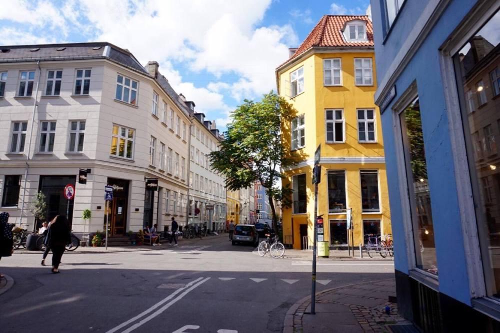 Copenhagen streets, yellow house